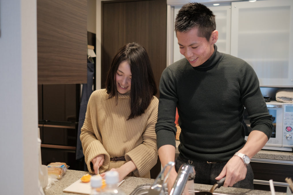 台所の夫婦